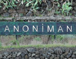 anoniman y los mensajes de la autopista